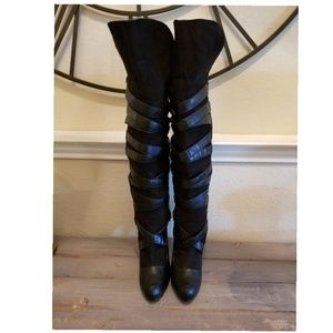 Bumper Shoes - Black strappy boots